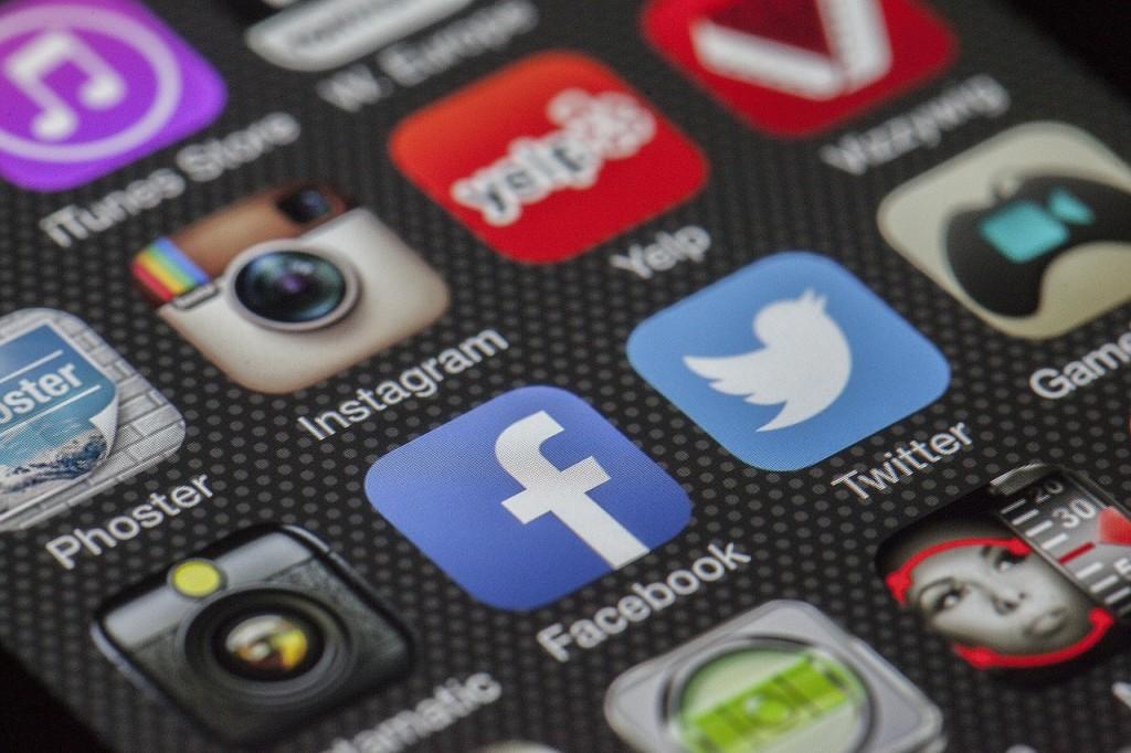 Social Media Traffic; Social Networks